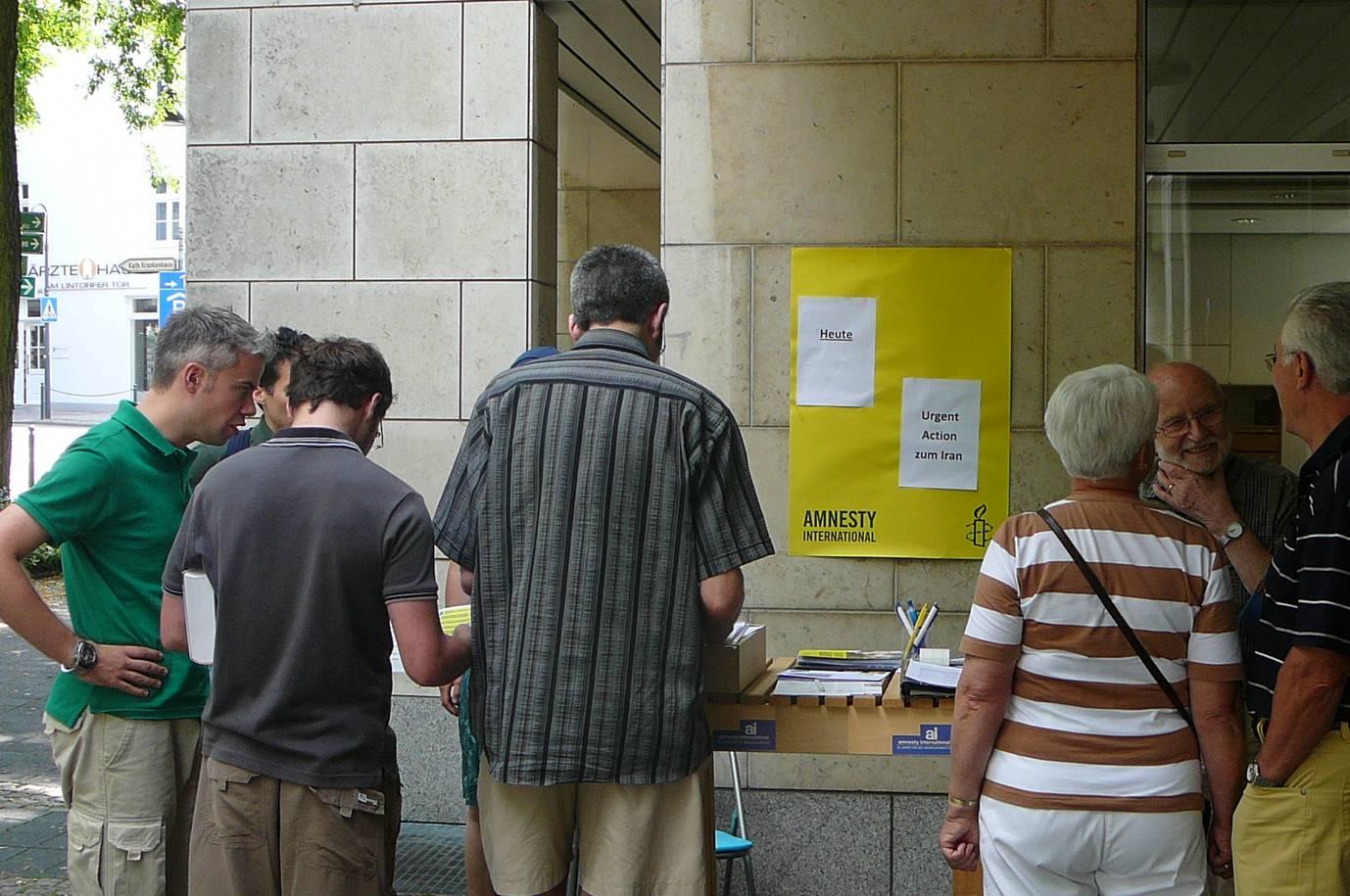 Amnesty Ratingen Stand am Medienzentrum