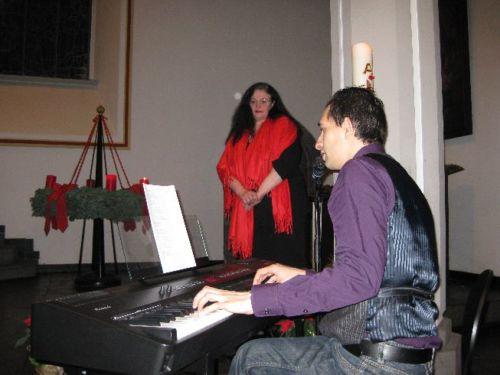 Nadia Meroni (Gesang) und Robin Huq (Piano und Gesang)